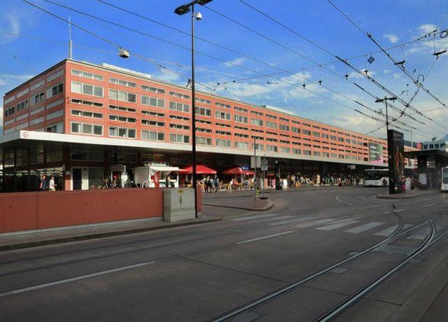 Hauptbahnhof-exterior.jpg