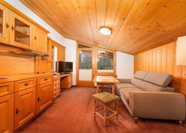 Wohnraum-suite-Adlerhorst.jpg