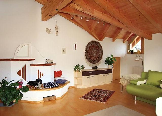 Wohnzimmer-Ofenseite.jpg