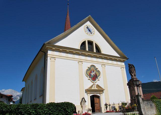 Pfarrkirche-Flaurling.jpg