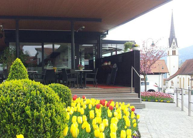 Cafe-Forum1.jpg
