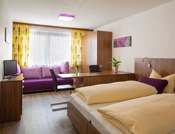 Hotel-Krone-Zimmer-1.jpg