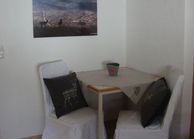 Schreibtisch.jpg