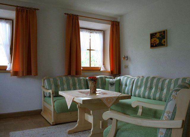 Spiegl-Karl-Wohnzimmer.jpg
