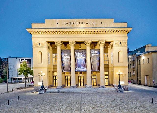 Landestheater.jpg