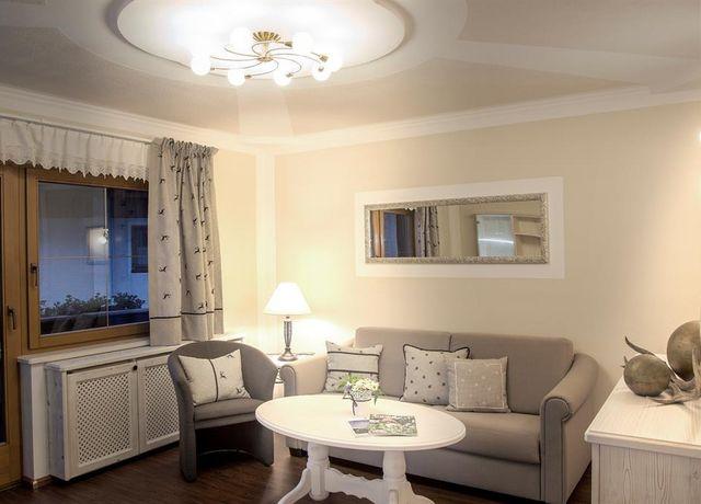 Wohnzimmer-Apartment-Das-Nest.jpg