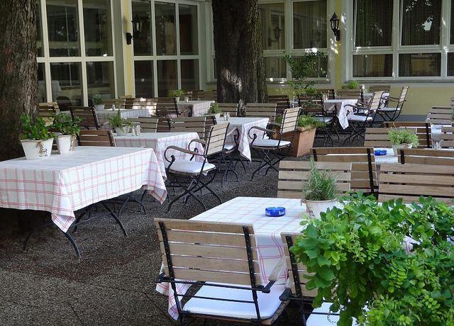 Hotel-SailerGastgarten.jpg