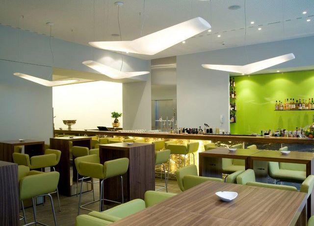 Sitzwohl-Restaurant-Bar-Innenbereich.jpg