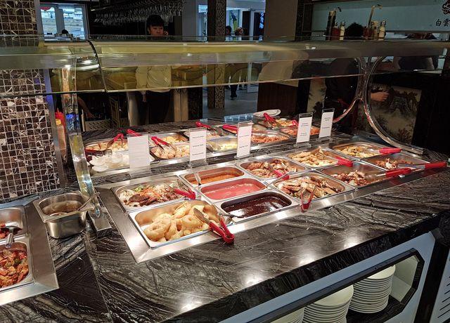 Buffet-im-China-Restaurant-Bai-Yun.jpg