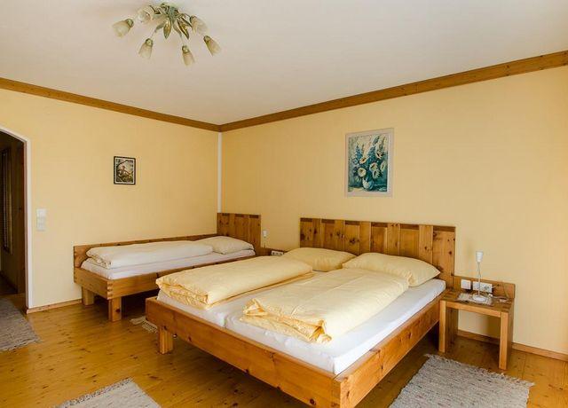 Doppelzimmer-mit-Zusatzbett.jpg