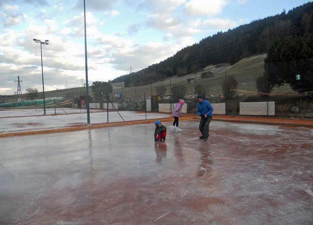 Eislaufplatz-Tenniscafe.jpg