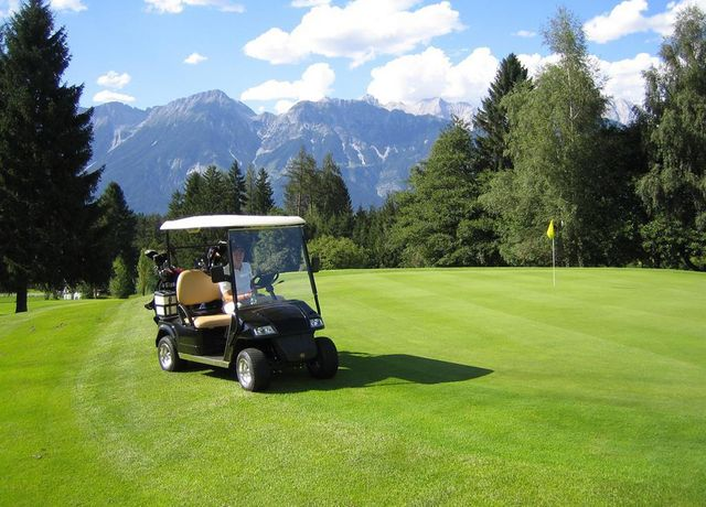 Golf-Cart-Rinn.jpg