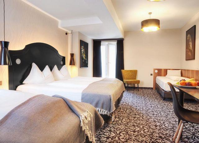 Hotel-Grauer-Baer-Innsbruck-Dreibettzimmer.jpg