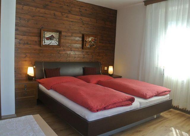 Doppelzimmer-mit-DU-und-Etagentoilette.jpg
