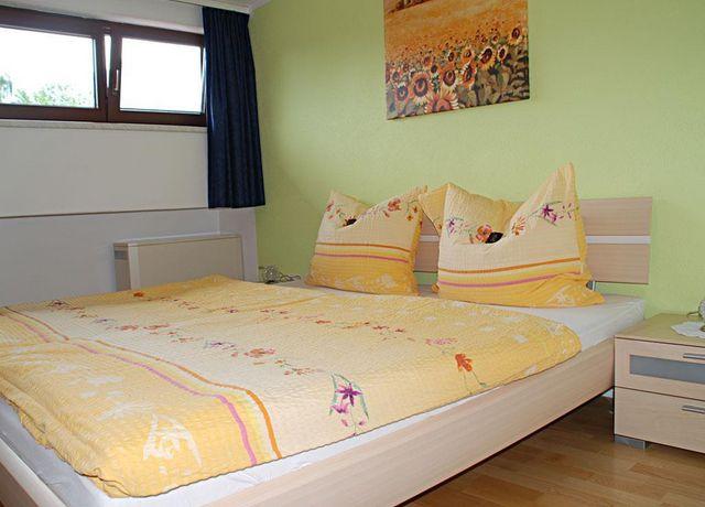 Schlafzimmer-Fewo-2-Stock.jpg