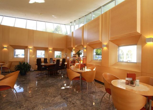 Cafe-Sanatorium-Rum-1-Martin-Duschek.jpg