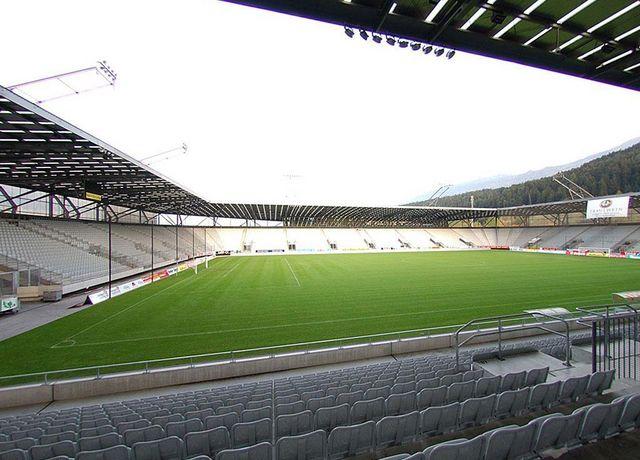 Tivoli-Stadion-Innen.jpg