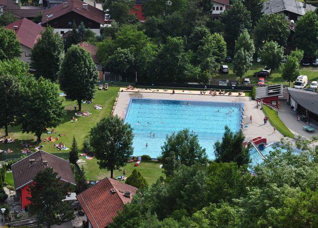 Zirl-Schwimmbad2.jpg