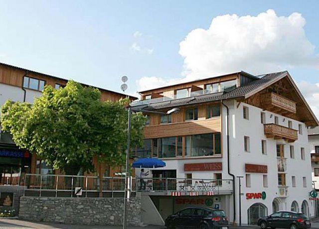 Restaurant-Weiss.jpg