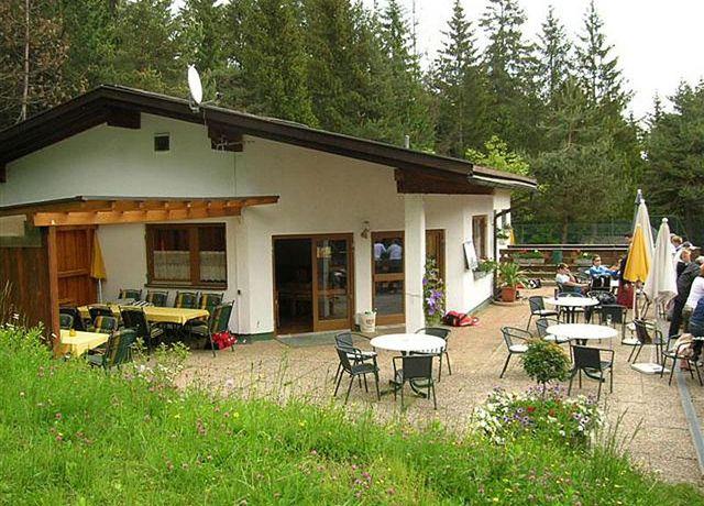 Clubhaus-Tennisclub-Rum.jpg