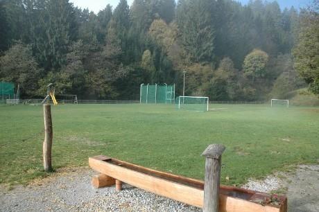 Arzler-Schiessstand-Fussballplatz.jpg
