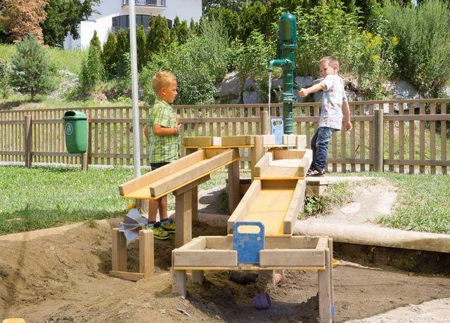 Erlebnis-Spielplatz-am-Buergl-Oberperfuss.jpg