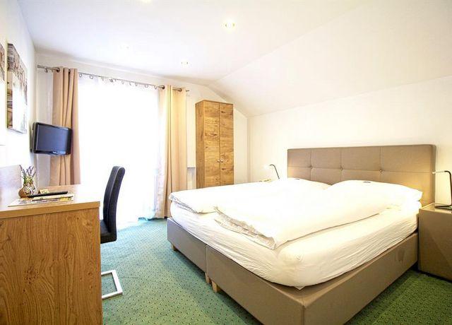 Pension-Seelos-Standard-Doppelzimmer.jpg