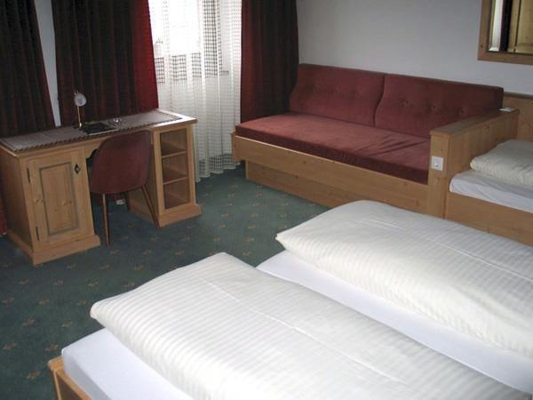 Hotel-Munde-Bsp-Vierbettzimmer.jpg