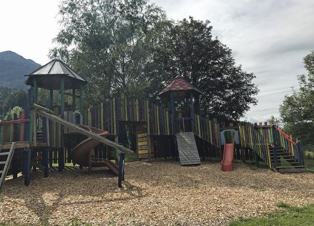 Kinderspielplatz-beim-Kindergarten.jpg