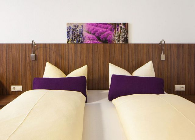 Hotel-Krone-Doppelbettzimmer-1.jpg