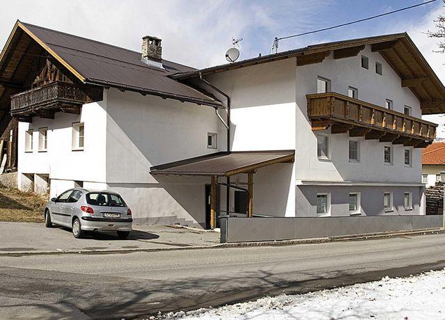 Landhaus-Gruenfelder-Winter.jpg