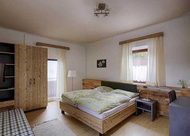 Doppelzimmer-Oberacher-2.jpg