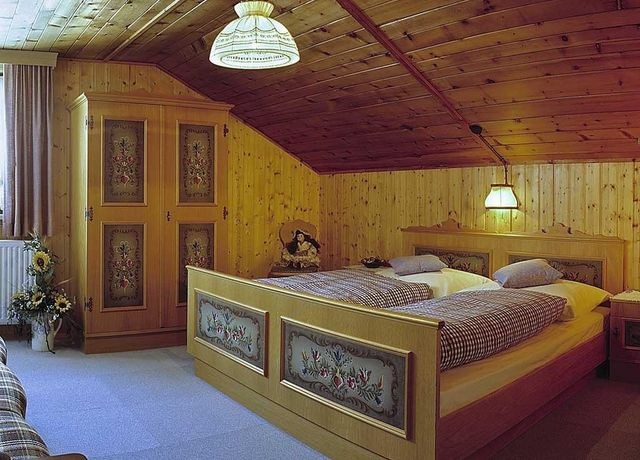 Rustikales-Schlafzimmer.jpg