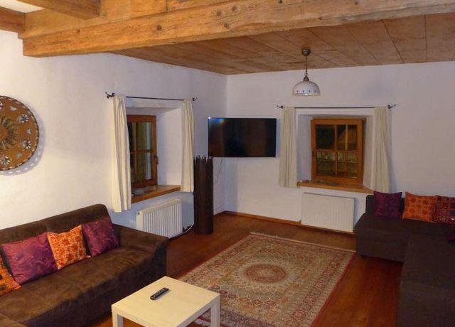 Wohnzimmer-mit-Schlafcouch.jpg