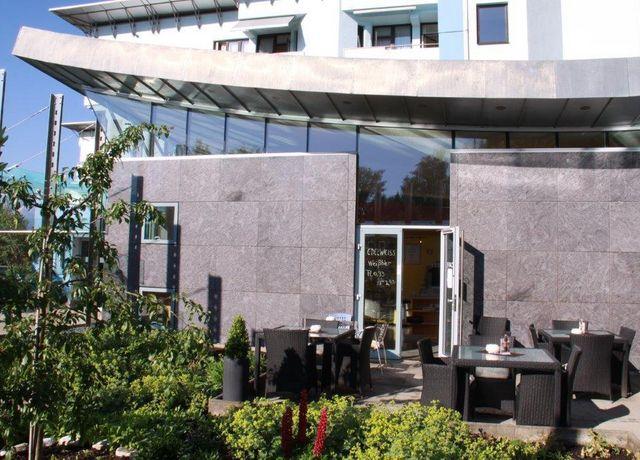 Cafe-Sanatorium-Rum-4-Martin-Duschek.jpg
