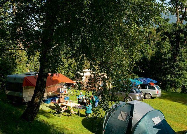 Stellplatz-im-Camping-Eichenwald.jpg