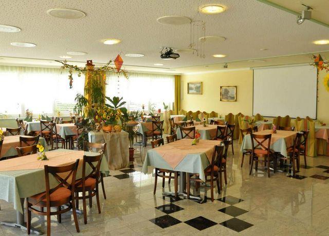 Hotel-Martina-Speisesaal.jpg