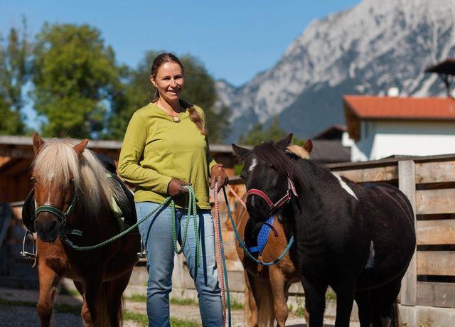Ponyreiten-Landhotel-Stern-Sommer.jpg