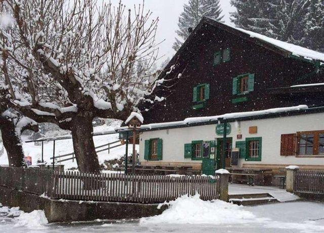 Alm-im-Winter.jpg