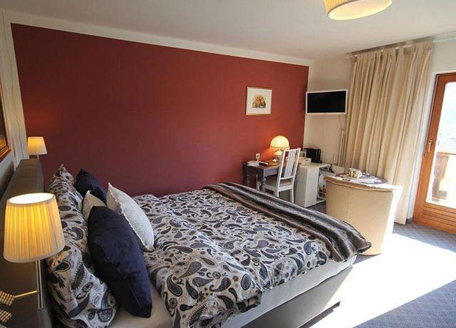Komfortzimmer-3-im-Gaestehaus-Edelweiss.jpg