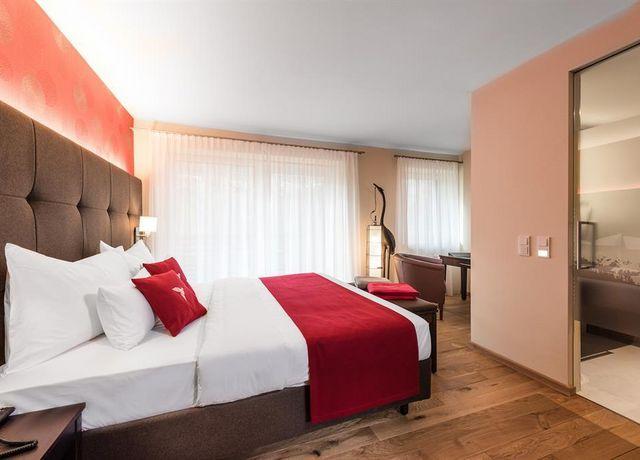 Hotel-dasMei-Koi1.jpg