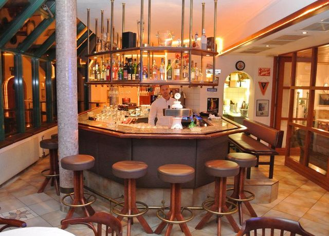 Gruberhof-Bar-1.jpg
