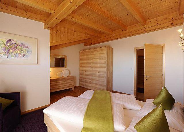 Marxenhof-Suite-Gaestezimmer.jpg