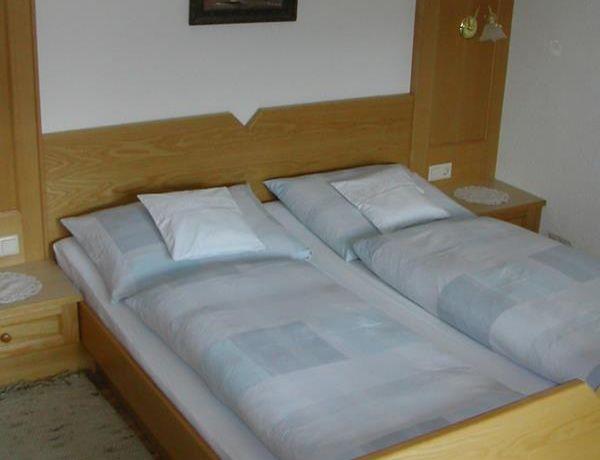 Schlafzimmer-kleine-Fewo.jpg