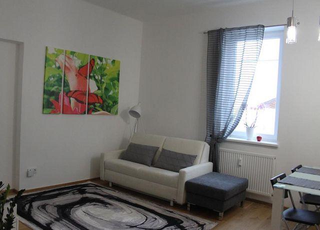Wohnraum-mit-Esstisch.jpg