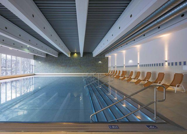 Saunaschwimmbecken.jpg