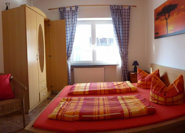 Zimmer-1.jpg