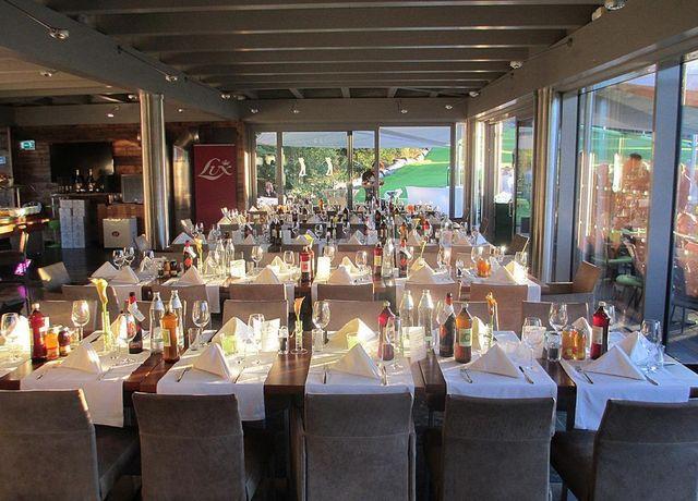 Golfrestaurant-Innenansicht.jpg