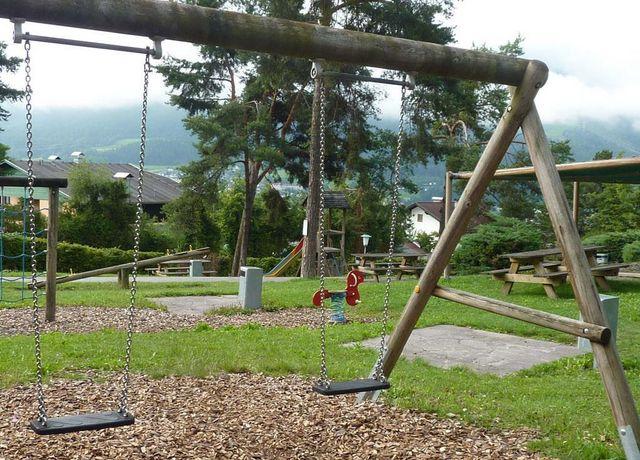 Kinderspielplatz-Arzbergstrasse.jpg