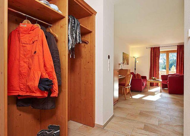 Garderobe-Alpenrose.jpg
